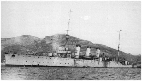 El crucero Reina Victoria Eugenia en su aspecto inicial