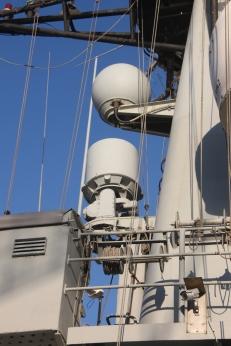 Primer plano de los las antenas emisoras de la CAZADORA (Gorka L Martínez Mezo)