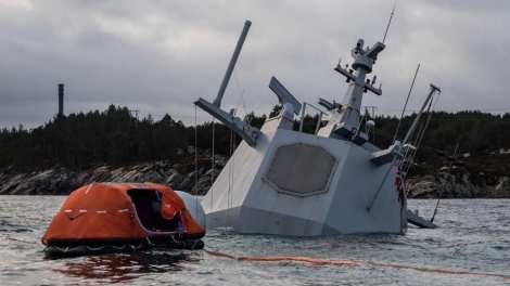 control de daños fragata noruega hnoms helge ingstad (f-313) (13)
