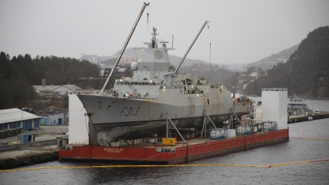 Fragata Noruega Helge Ingstad f313 foro naval naufragio abordaje hundimiento salvamento (6)