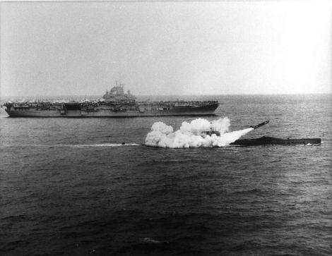 USS_Halibut_(SSGN-587)_firing_a_Regulus_missile_next_to_USS_Lexington_(CV-16),_25_March_1960