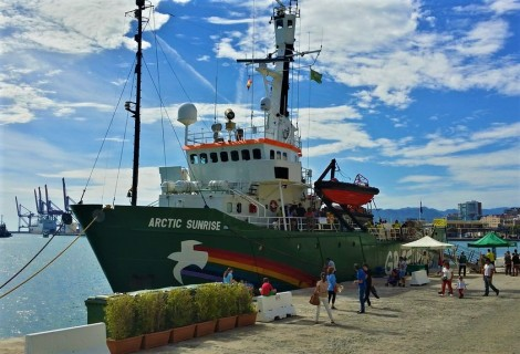 GREENPEACE RAINBOW WARRIOR ARCTIC SUNRISE ESPERANZA (14)