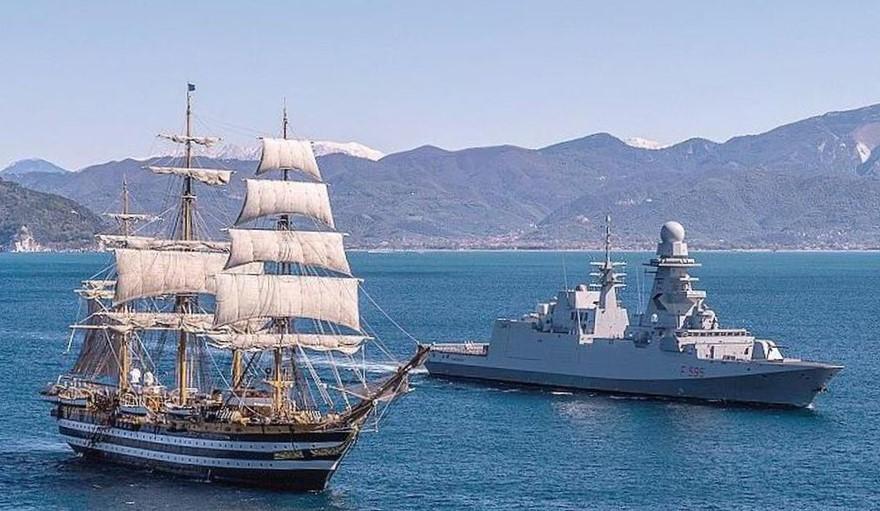 nave scuola Cristoforo colombo buque escuela amerigo vespucci foro naval (1)