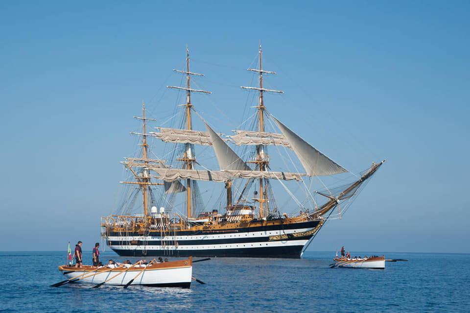 nave scuola Cristoforo colombo buque escuela amerigo vespucci foro naval (18)