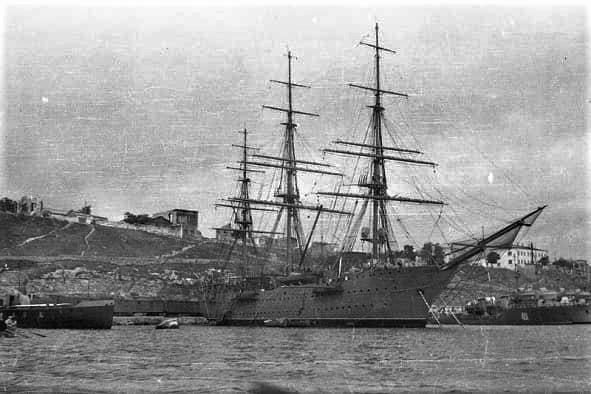 nave scuola Cristoforo colombo buque escuela amerigo vespucci foro naval (22)