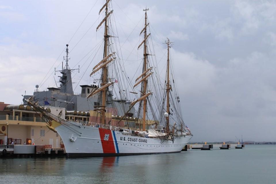 USCGC Eagle (1)