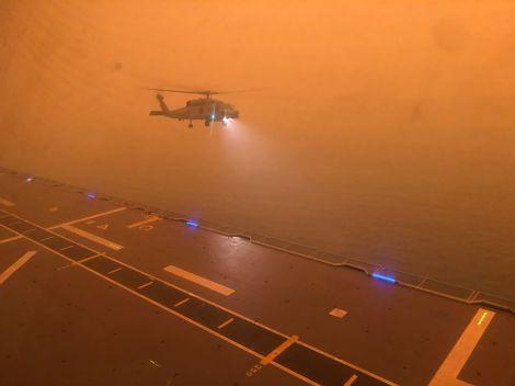 HMAS Adelaide L-01 Foro Naval Incendios forestales australia (8)