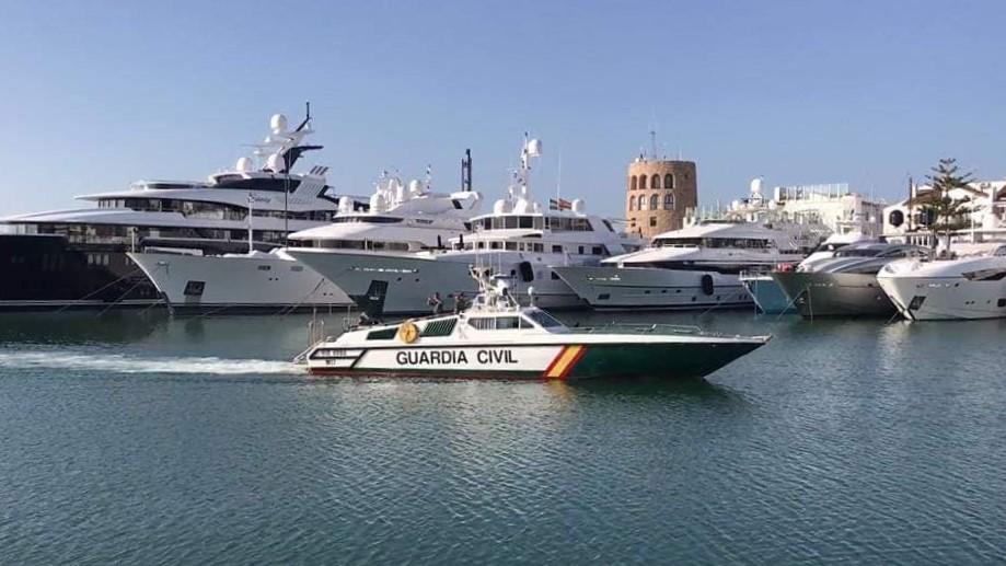 Servicio Maritimo Guardia Civil SEMAR Rodman 55 Foro Naval (10)