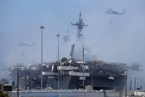 Fuego USS Bonhomme Richard LHD6 Foro Naval (11)