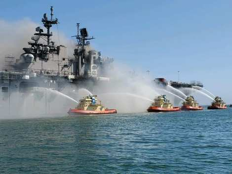 Fuego USS Bonhomme Richard LHD6 Foro Naval (5)